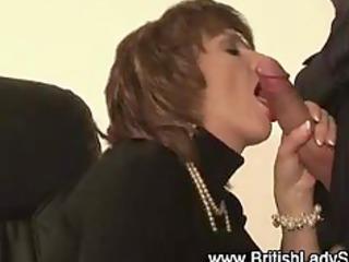stylish lady sonia acquires a cumshot