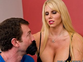 sexually excited big-tit blonde milf karen fisher