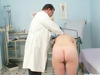 older old wet crack gyno speculum scrutiny with
