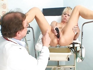 hot mature blond lady receives her cunt examined