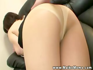 oriental d like to fuck sits and rubs her ass on
