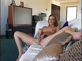 gorgeous older cougar masturbates with sex-toy