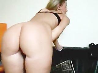 moist wet crack girlfriend cummed on